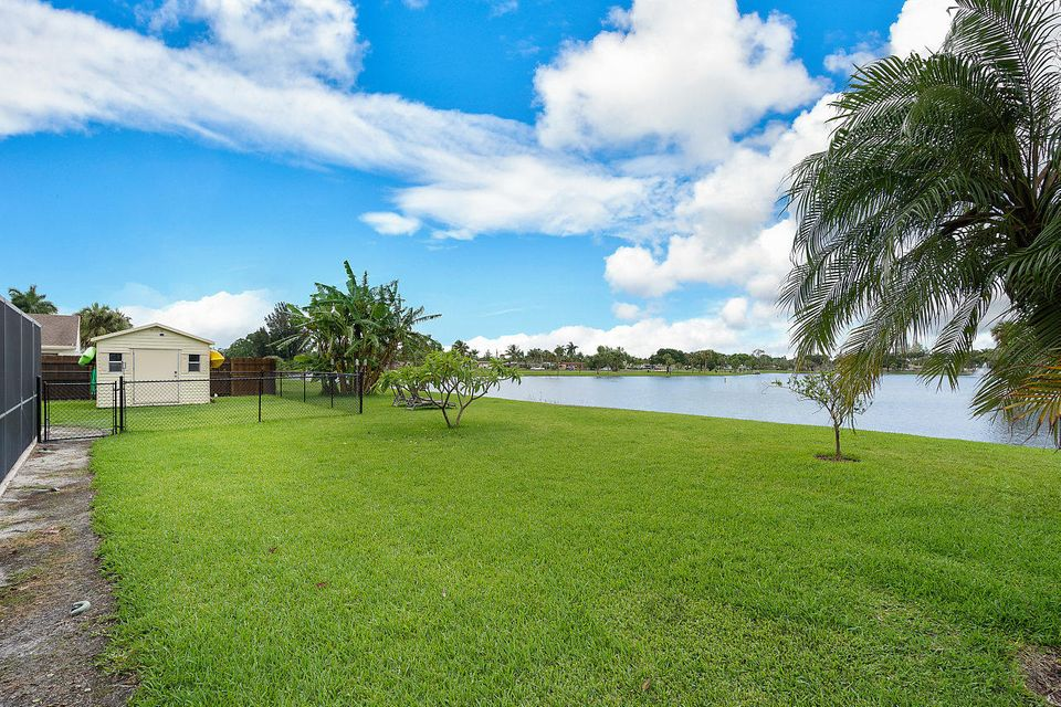 107 Meadow Woode Drive Royal Palm Beach, FL 33411 photo 28