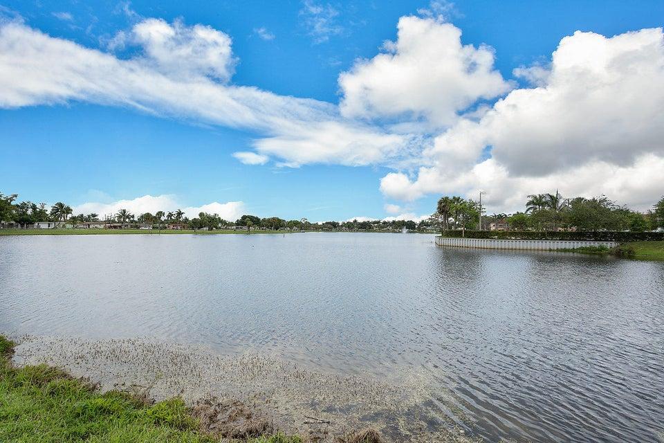 107 Meadow Woode Drive Royal Palm Beach, FL 33411 photo 29