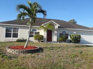 942 SE Damask Avenue  Port Saint Lucie FL 34983