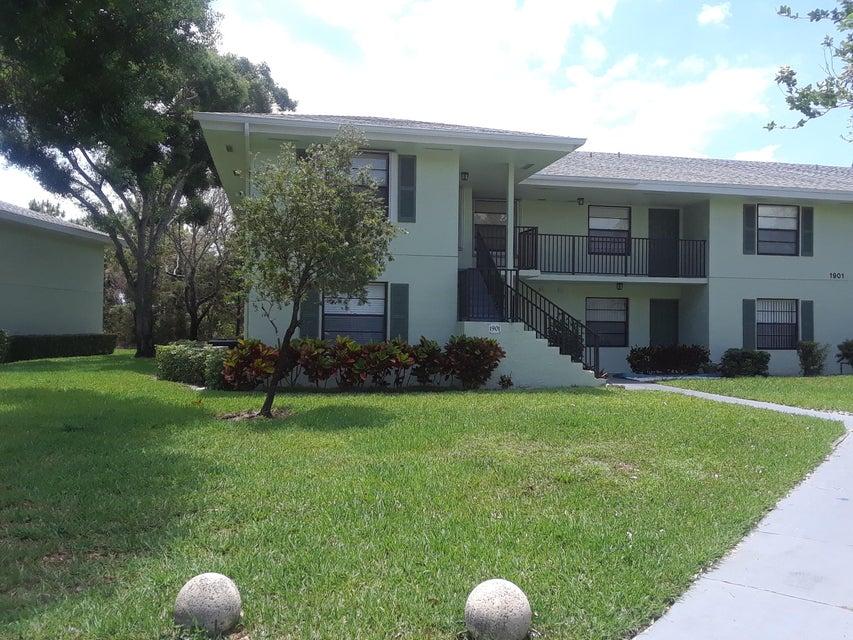 1901 Sabal Ridge Court E , Palm Beach Gardens FL 33418 is listed for sale as MLS Listing RX-10433782 7 photos
