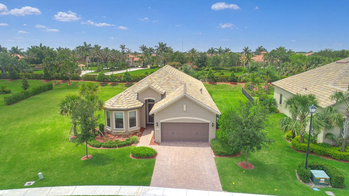 4637 Siena Circle  Wellington, FL 33414