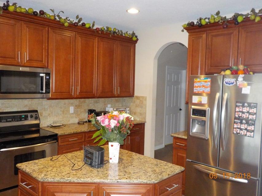3448 Oakmont Estates Boulevard Wellington, FL 33414 photo 3