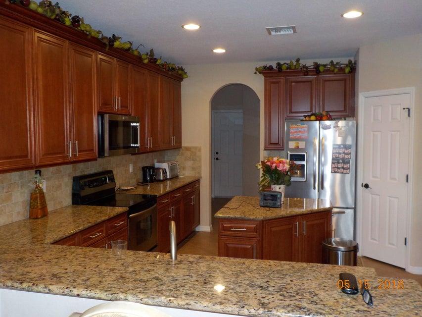 3448 Oakmont Estates Boulevard Wellington, FL 33414 photo 4