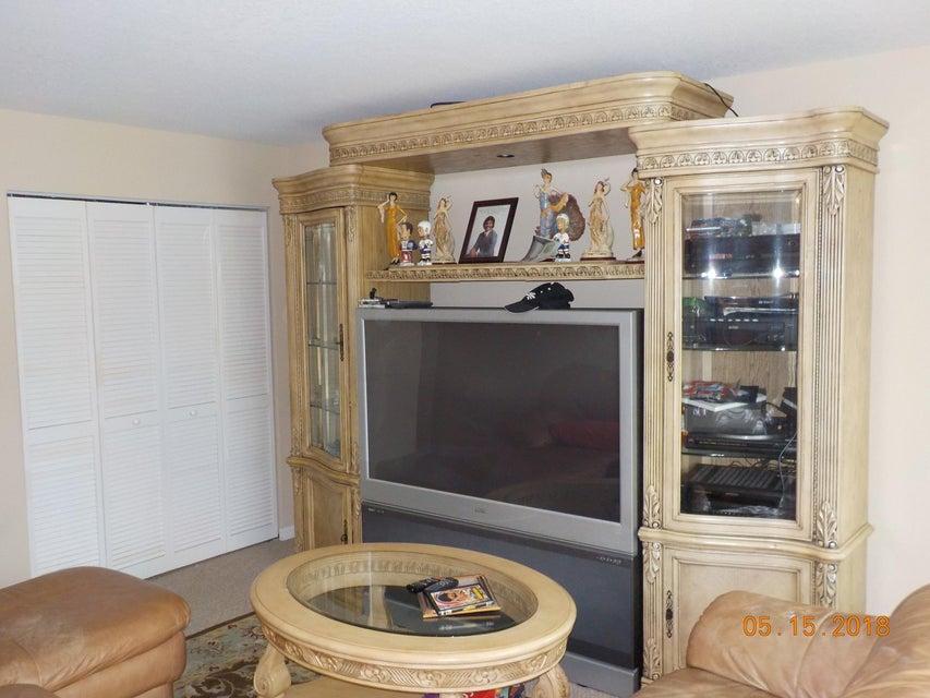 3448 Oakmont Estates Boulevard Wellington, FL 33414 photo 10