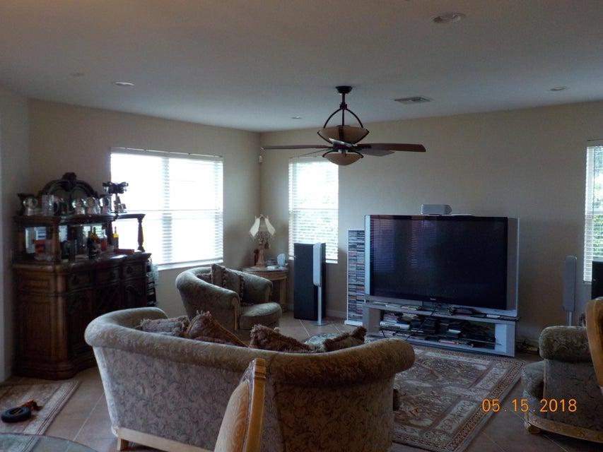 3448 Oakmont Estates Boulevard Wellington, FL 33414 photo 13