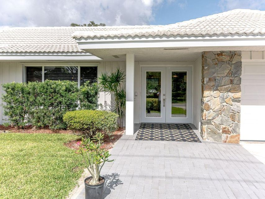 143 Country Club Drive Tequesta,Florida 33469,3 Bedrooms Bedrooms,2 BathroomsBathrooms,F,Country Club,RX-10433051