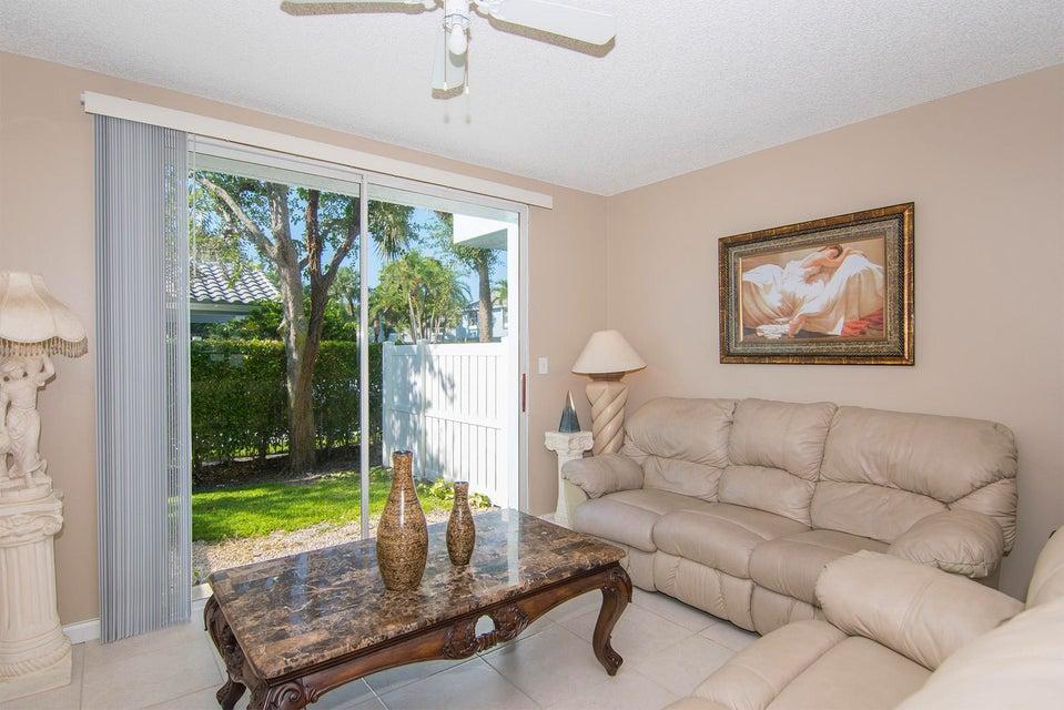 1066 E Jeffery Street  Boca Raton FL 33487