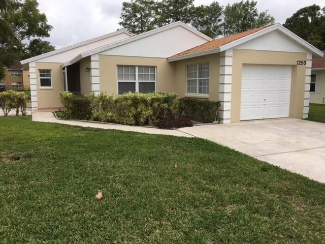 1250 Pine Sage Circle  West Palm Beach, FL 33409