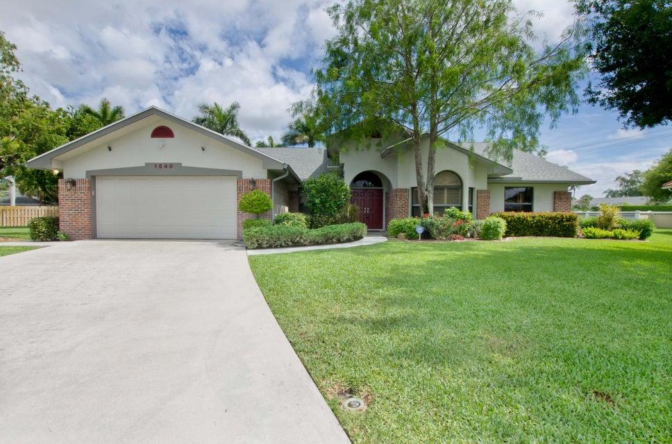 1540 Farmington Court Wellington, FL 33414 photo 2