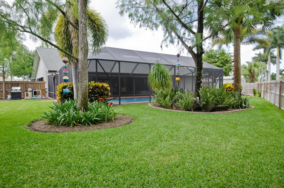1540 Farmington Court Wellington, FL 33414 photo 3