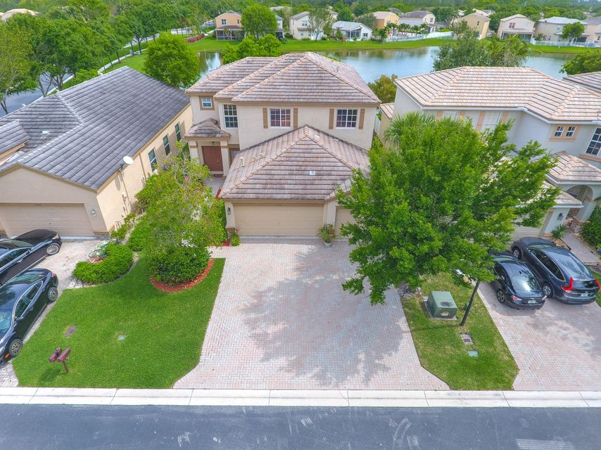 10314 White Pinto Court  Lake Worth, FL 33449