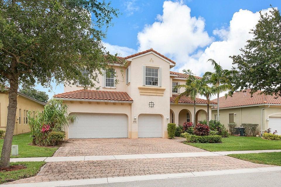 713 Cresta Circle  West Palm Beach, FL 33413