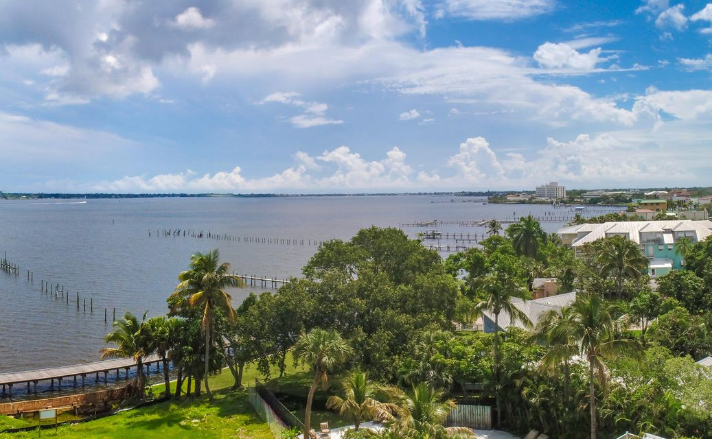 SEMINOLE BLUFF HOMES FOR SALE