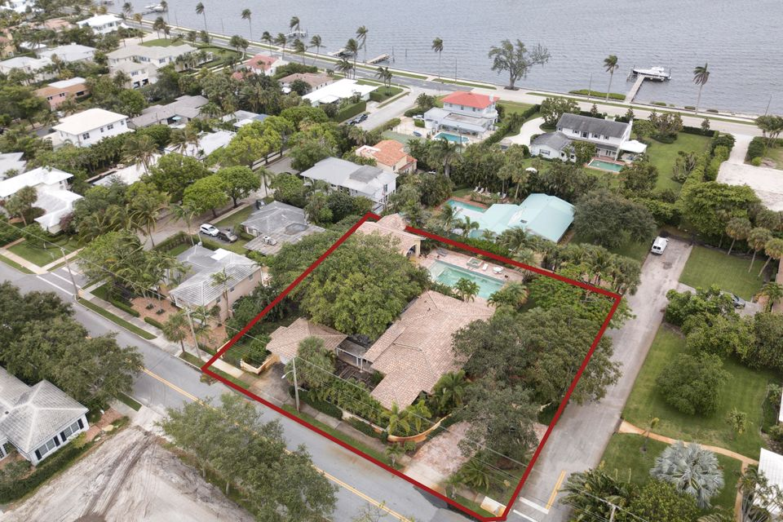 133 Miramar Way  West Palm Beach FL 33405