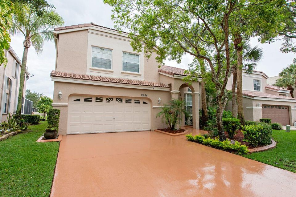 Home for sale in Classics At Kensingston Coral Springs Florida