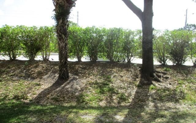 5251 Palmbrooke Circle West Palm Beach, FL 33417 photo 17