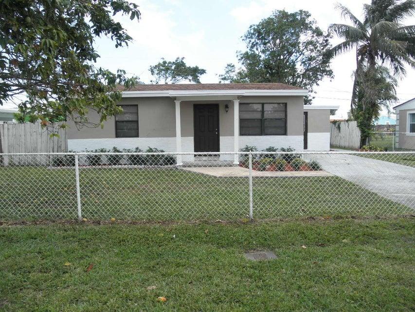 2901 Buckley Avenue  Lake Worth, FL 33461