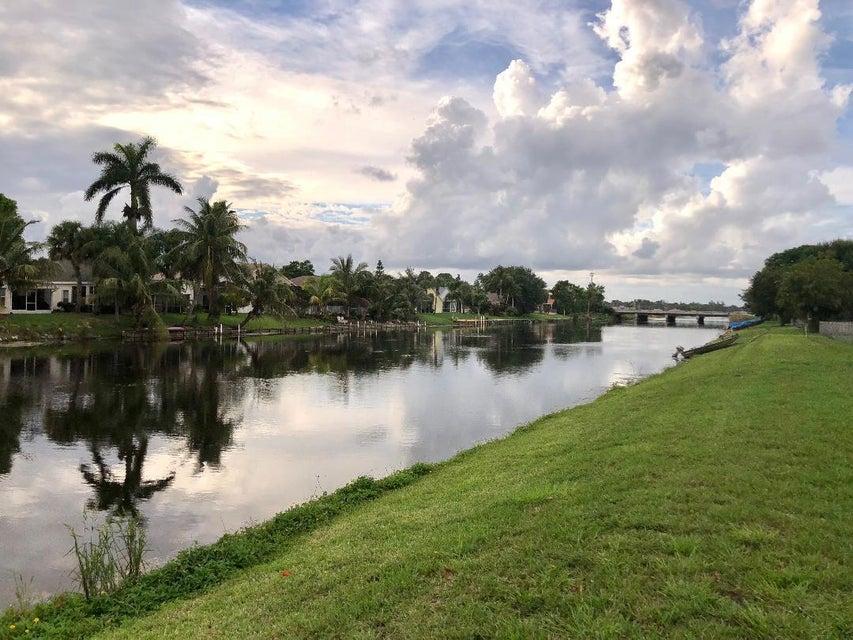 122 Parkwood Drive Royal Palm Beach, FL 33411 photo 3