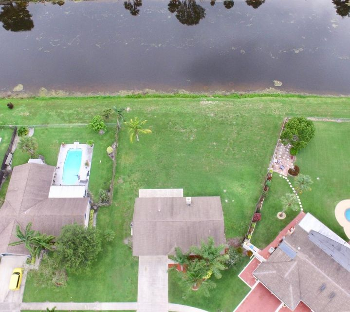 122 Parkwood Drive Royal Palm Beach, FL 33411 photo 16