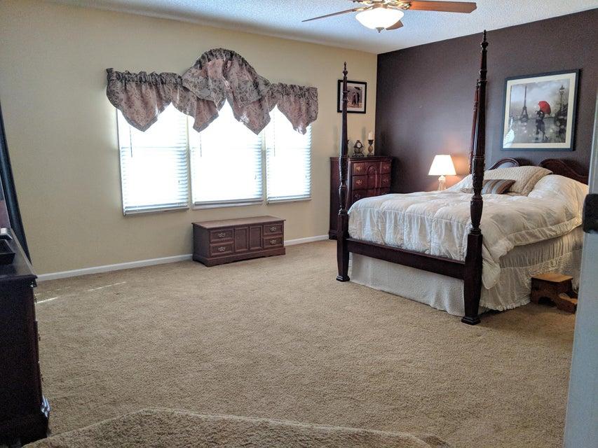 15110 Oak Chase Court Wellington, FL 33414 photo 13