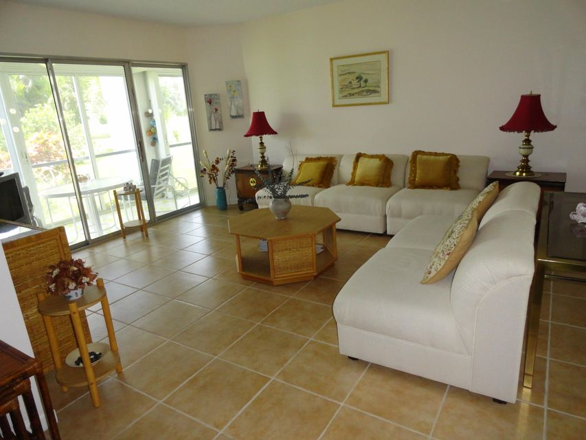 3593 Birdie Drive 106  Lake Worth, FL 33467