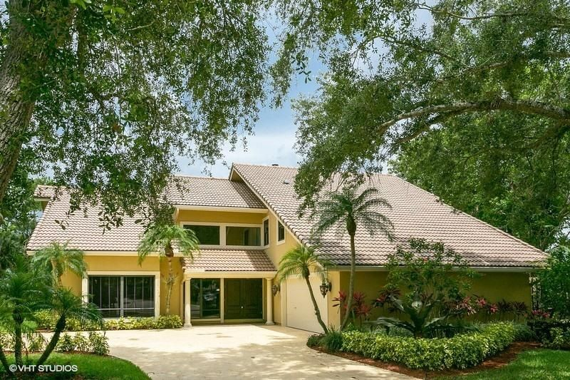 4 Banchory Court , Palm Beach Gardens FL 33418 is listed for sale as MLS Listing RX-10434231 15 photos