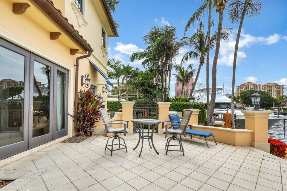3018 NE 22nd Street , Fort Lauderdale FL 33305 is listed for sale as MLS Listing RX-10434631 photo #41