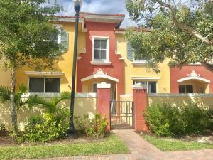 2905 Hidden Hills Rd Road 2202  West Palm Beach, FL 33411