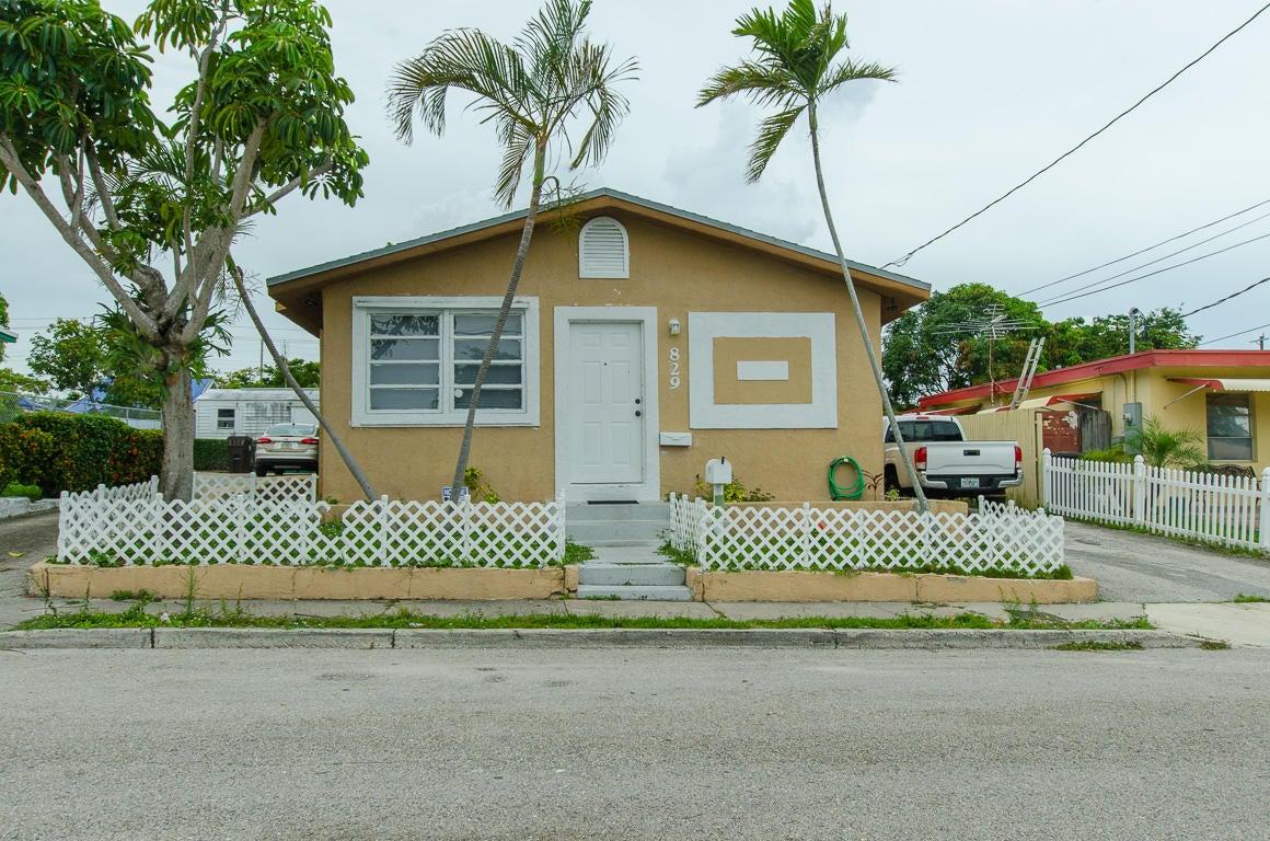 829 Kaye Street  West Palm Beach, FL 33405