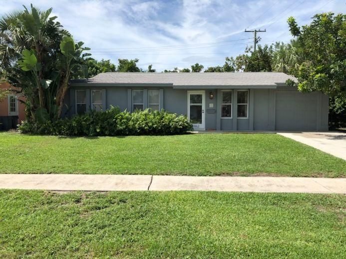 3862 Bahama Road , Palm Beach Gardens FL 33410 is listed for sale as MLS Listing RX-10433163 25 photos
