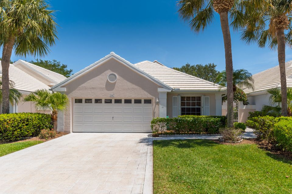 11 Dorchester Circle , Palm Beach Gardens FL 33418 is listed for sale as MLS Listing RX-10435179 29 photos