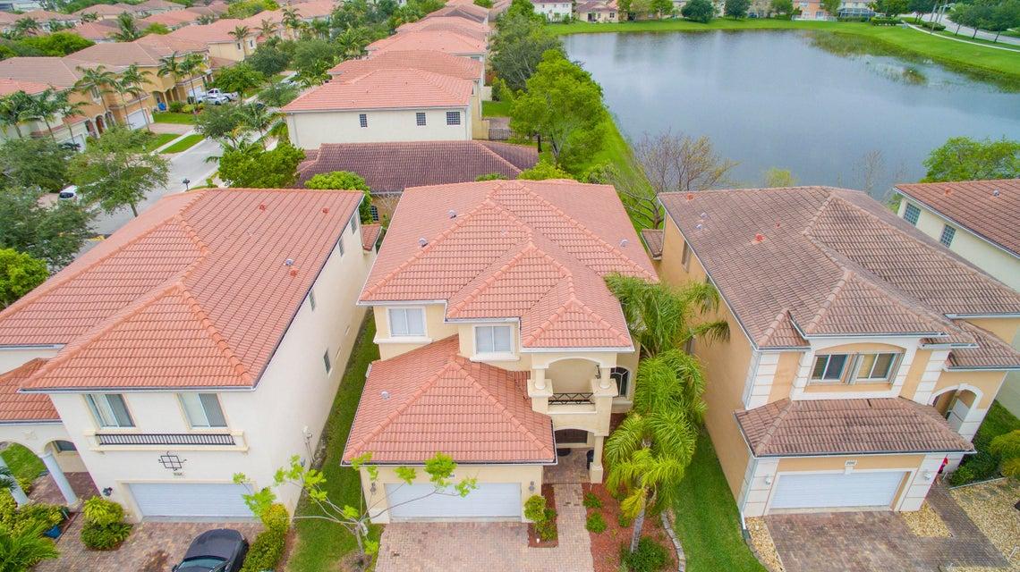 7099 Aliso Avenue West Palm Beach, FL 33413 photo 4