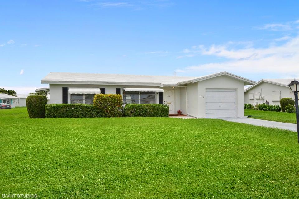 2123 SW Lake Circle Drive  Boynton Beach FL 33426