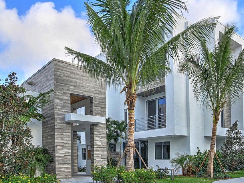4021 NW 17th Avenue  Boca Raton FL 33431
