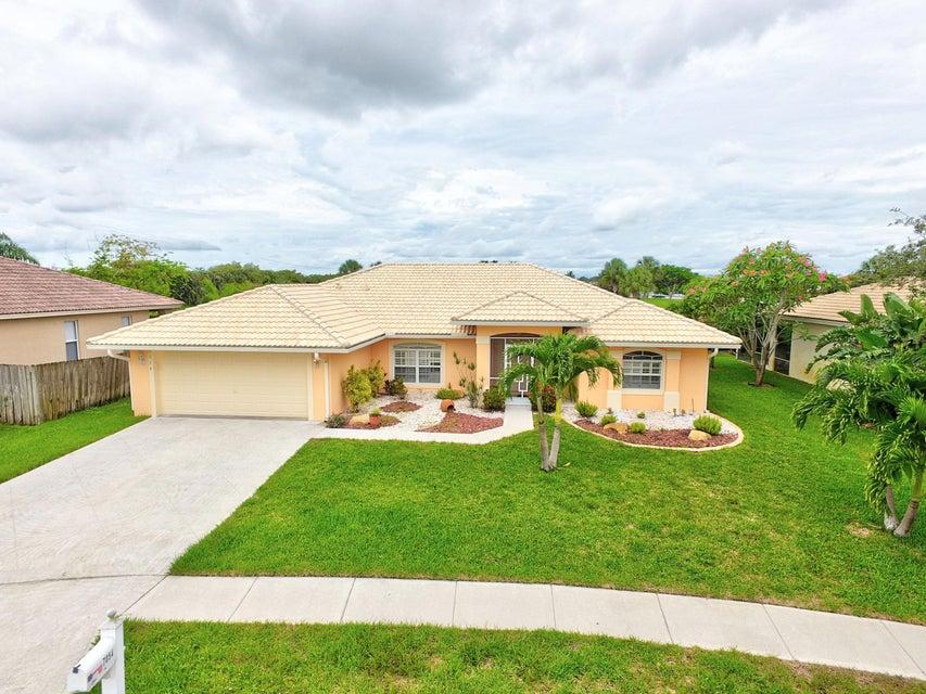 7054 Lake Island Drive  Lake Worth, FL 33467