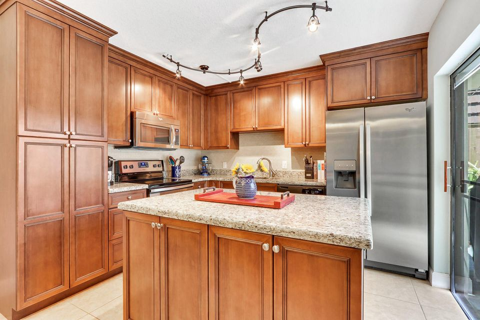 607 6th Lane , Palm Beach Gardens FL 33418 is listed for sale as MLS Listing RX-10435900 25 photos