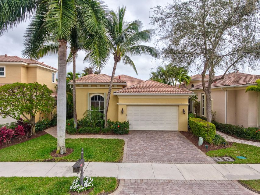 Home for sale in MIRASOL PAR F Palm Beach Gardens Florida