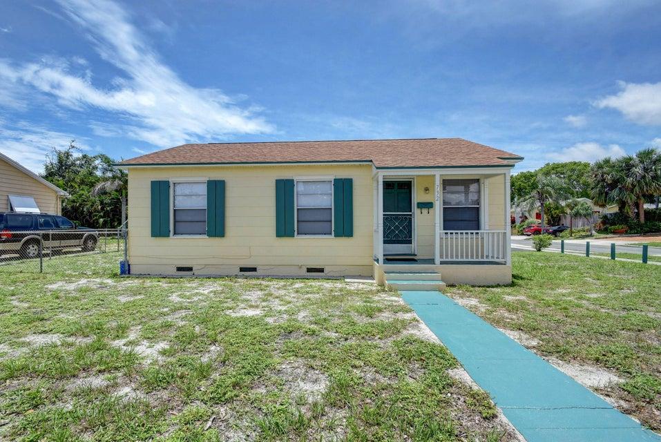 732 Forest Hill Boulevard  West Palm Beach, FL 33405