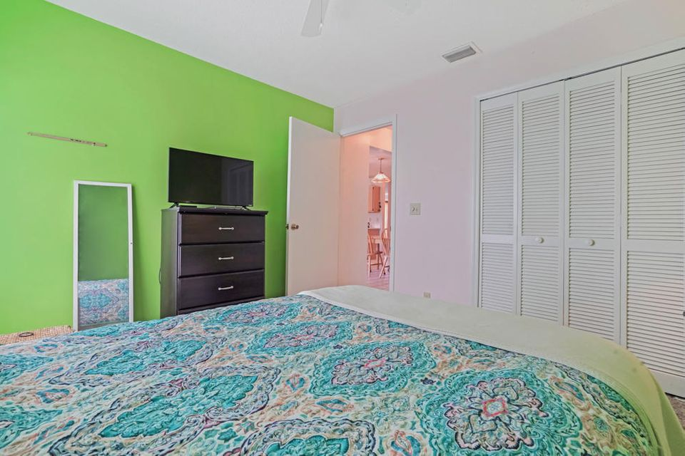 182 Kings Way Royal Palm Beach, FL 33411 photo 21