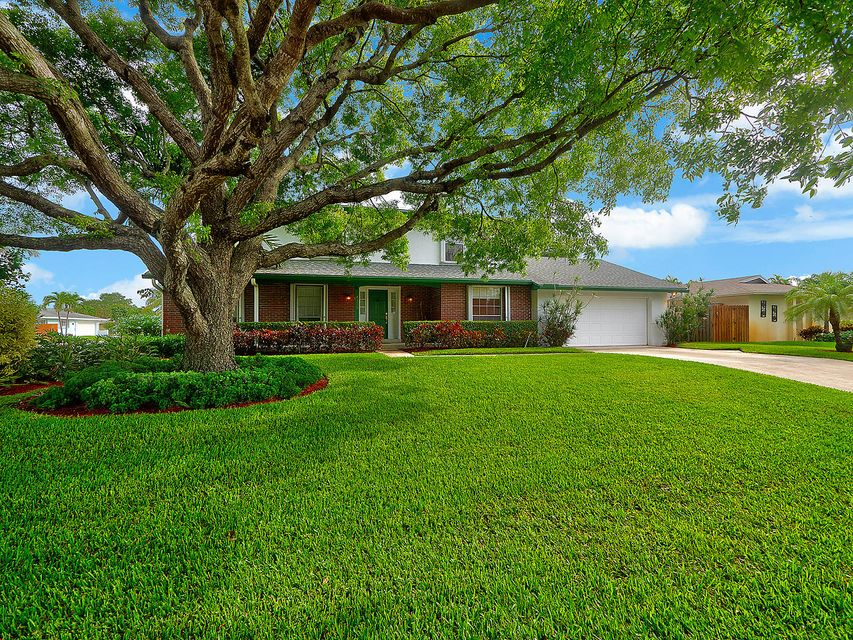 4135 Jonquil Circle , Palm Beach Gardens FL 33410 is listed for sale as MLS Listing RX-10435713 38 photos