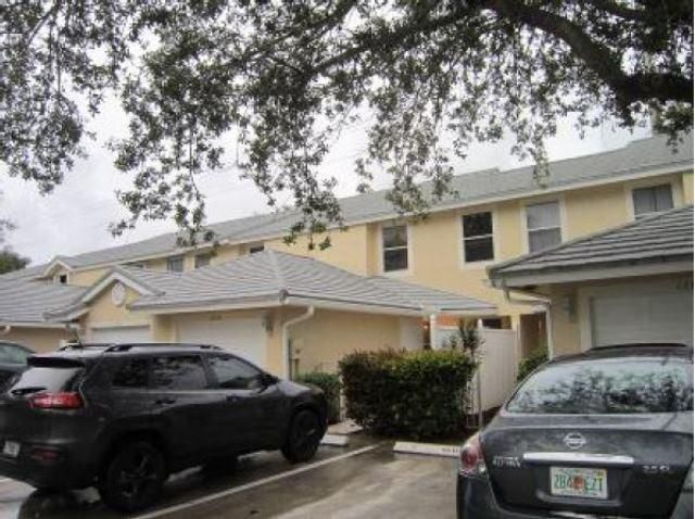 12836 Woodmill Drive , Palm Beach Gardens FL 33418 is listed for sale as MLS Listing RX-10435863 6 photos