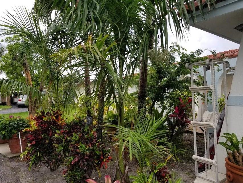 126 Heron Parkway Royal Palm Beach, FL 33411 photo 7