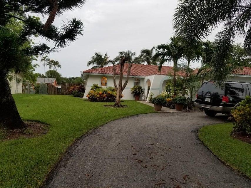 126 Heron Parkway Royal Palm Beach, FL 33411 photo 3