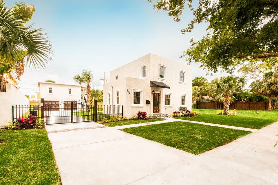 354 Marlborough Place  West Palm Beach FL 33405