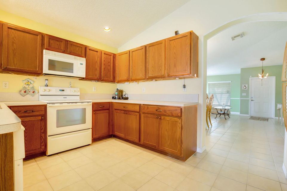 6165 Willoughby Circle Lake Worth, FL 33463 small photo 13