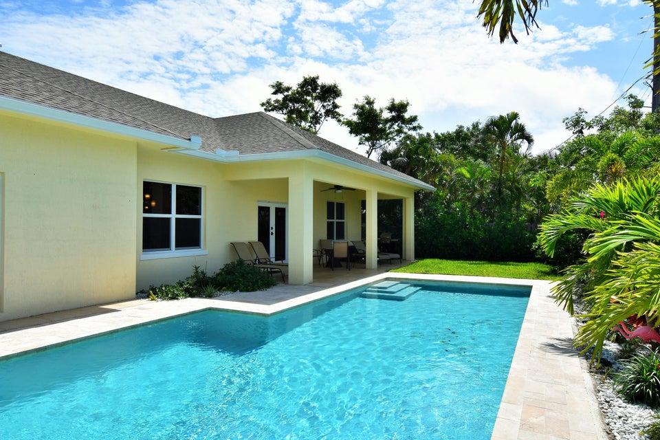 376 Forest Hill Boulevard  West Palm Beach FL 33405
