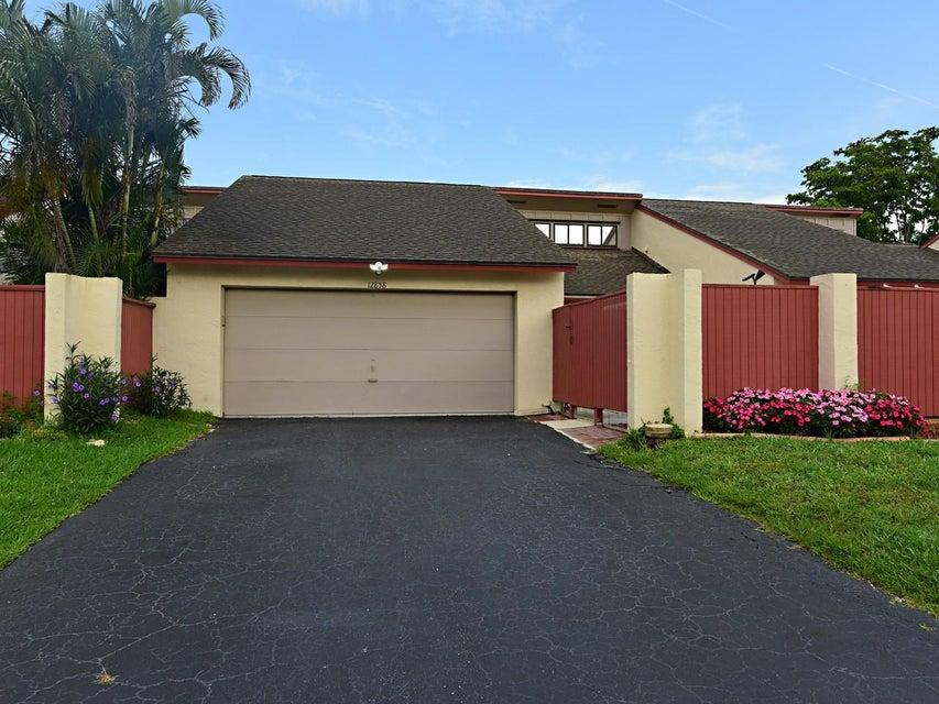 12858 Spinnaker Lane  Wellington, FL 33414