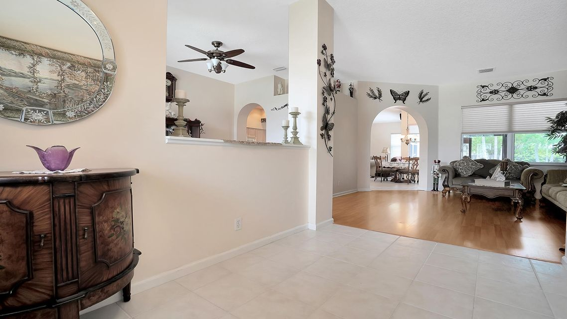 120 Pepper Tree Cres Royal Palm Beach, FL 33411 photo 7