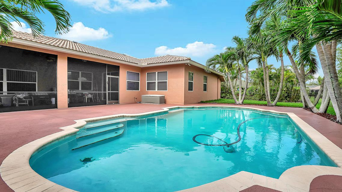 120 Pepper Tree Cres Royal Palm Beach, FL 33411 photo 2
