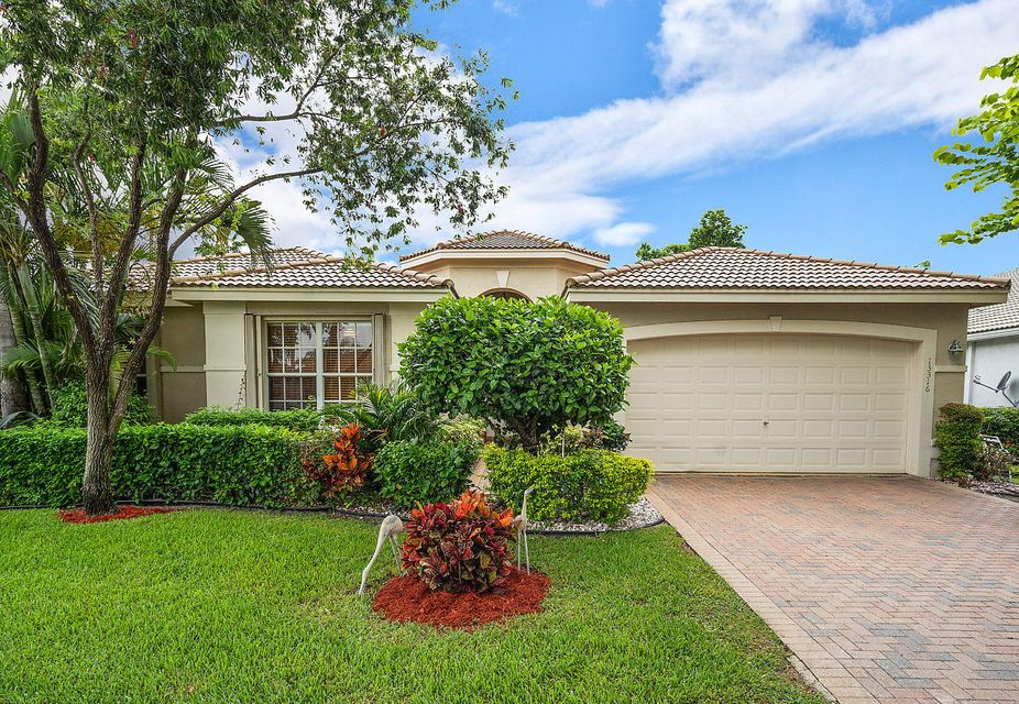 Valencia Falls home 13316 Alhambra Lake Circle Delray Beach FL 33446